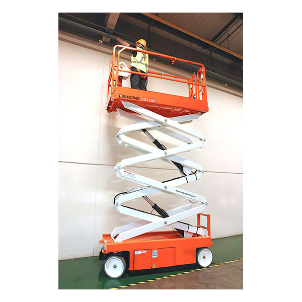 BATTERY SCISSOR LIFT 26'